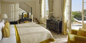 Shangri-La Hotel Paris, France